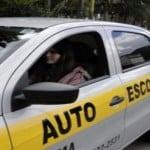 Aprender a dirigir na auto escola