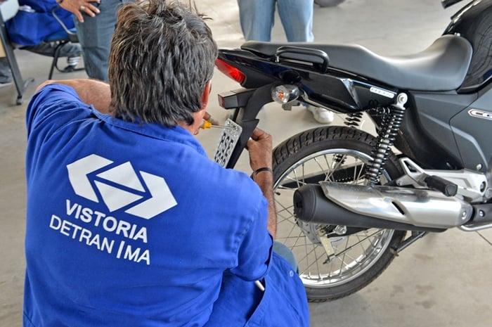 quanto custa para emplacar uma moto