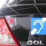Deficiente auditivo tem desconto na compra de veículos?