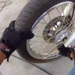Como calibrar pneu de moto