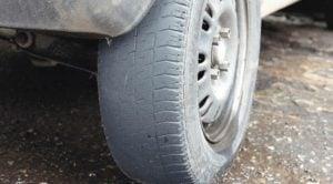 Valor da multa por pneu careca: Dá apreensão?
