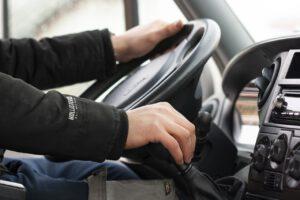 Posso dirigir com o comprovante de aprovação?